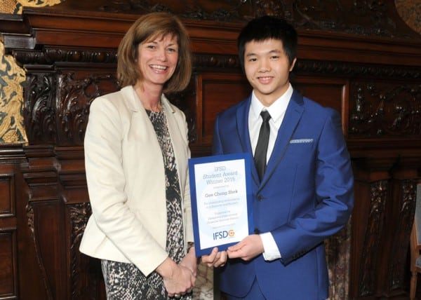 Gee Chong Shek, 19, accountancy student at Glasgow Kelvin College recieve the award.