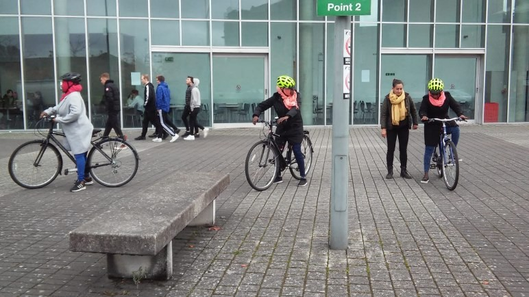 students learning to cycle