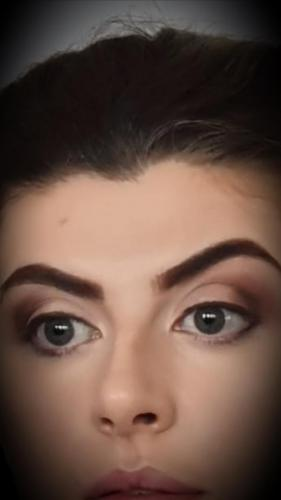 Example of eye make up
