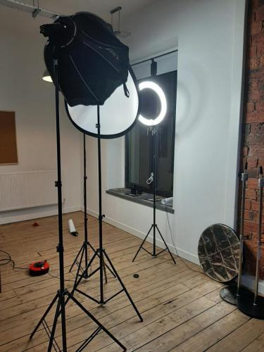 lighting for taking pictures