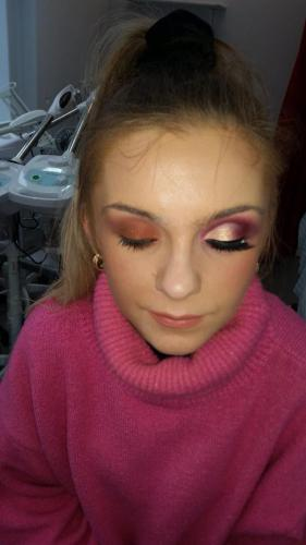 model with eye make-up