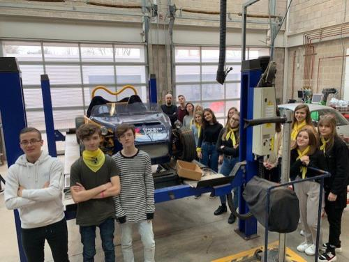 Polish students in automotive workshop
